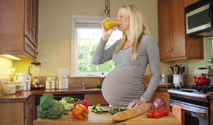 The Definitive Guide to Juicing While You're Pregnant